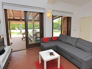 Plaia Grande Villa Sleeps 5 with Pool Air Con and WiFi - 5817794