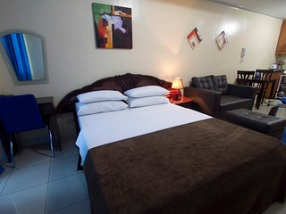 Paco Apartment Sleeps 3 with Pool Air Con and WiFi - 5810848