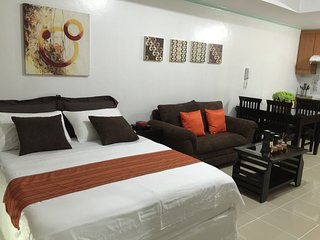 Paco Holiday Home Sleeps 3 with Pool Air Con and WiFi - 5811069