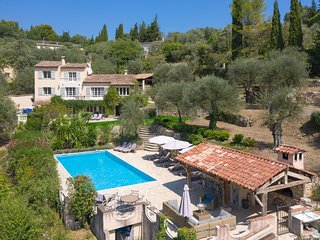 Gorgeous Country Villa w/pool near Valbonne Village - Sleeps 14