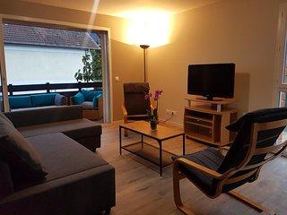 Appartement meublé 1 à 7 personnes  avec terrasse privée abritée