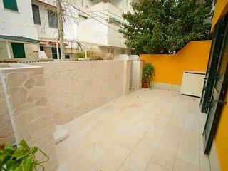 Baia Verde Holiday Home Sleeps 6 with Air Con - 5818082