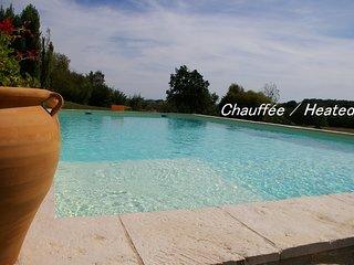 À 5 mn d'Albi, la Maison de l'Amandier, CHARME, CLIMATISATION, piscine CHAUFFÉE.