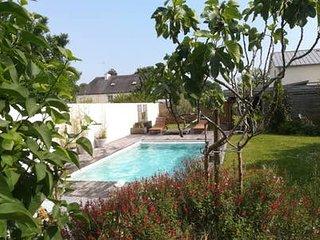 Maison en pierre avec piscine chauffée de mai à septembre