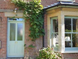Norfolk Broads character cottage on village green