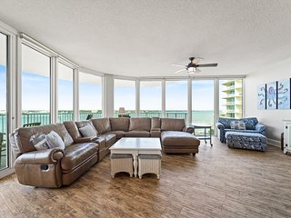 Spacious Condominium--Perfect For Large Families or Groups of Friends