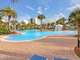 Gorgeous beachfront condo with view of the Gulf and shared pool