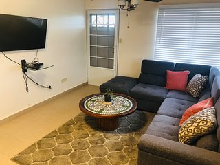 Beautiful apartment of 2 bedrooms with terrace, laundry, BBQ, Pkg. Pet friendly