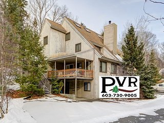 4BR Cranmore Birches! Cable, WiFi, Deck w/ Grill, Wii & Air Hockey! Sleeps 10