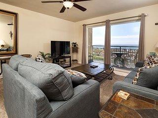 Pelican Isle 107: Cozy beach front condo, free beach chairs, dolphin cruise
