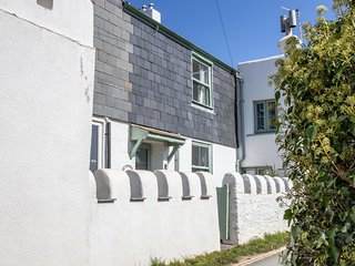 Gorgeous period property tucked away in beautiful South Devon village by the sea