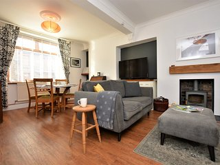 77368 Cottage situated in Porthcawl (14mls S)