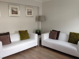 Bright and Quiet Apartment, Perth City Centre