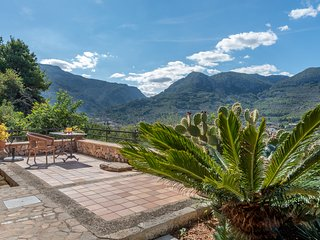 Soller mountain cottage on a sunny hillside with plunge pool.