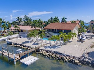 Ocean's Paradise 4bed/3bath open water views with private pool, hot tub & dockag