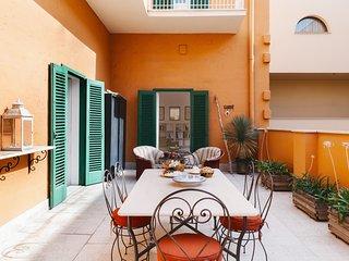 Agapanthus in centro tipico appartamento primi 900