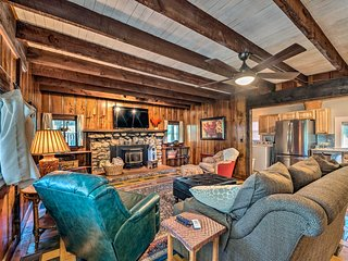 NEW! Cabin 3.5Mi to Ski Cloudcroft, Walk to Dwtn!