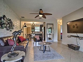 NEW! Updated Hollywood Home, 10 Min. to the Beach!