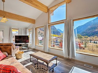 Stunning Ouray Escape w/ Panoramic Mountain Views!