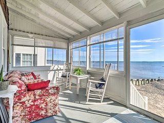 NEW! Cozy Beachfront Cottage w/Fire Pit & 2 Grills