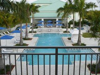 Amazing Miami Escape! Elegant Suite Unit, Pool, Spa!