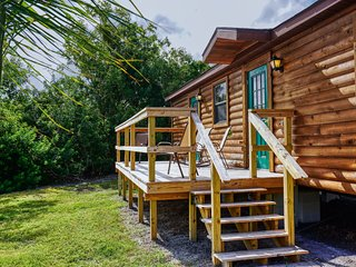 Lake Seminole Fort Wilderness Country Cabins 402