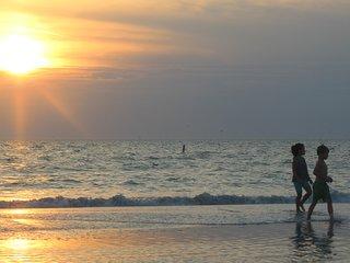 Treasure Island Beach Retreat N Sleeps UpTo 6