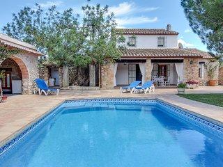 Bright, modern villa w/ private pool in countryside