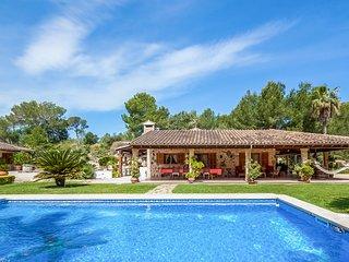 Gorgeous villa w/ private pool, entertainment & beach access