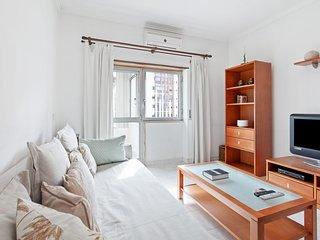 Bright & Cosy apartment for 4 in Almada