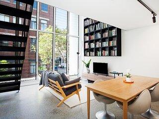 Designer Loft Apartment With Communal Terrace