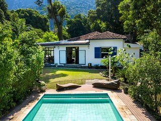 Rio486 - Beautiful 7 bedroom classic house with pool in Jardim Botânico