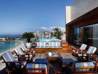 Rio002-Penthouse en front de mer avec piscine