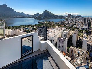Rio004 - Breathtaking penthouse with private pool in Leblon