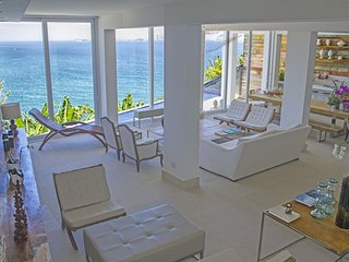 Rio387 - 6 bedroom mansion with oceanfront pool