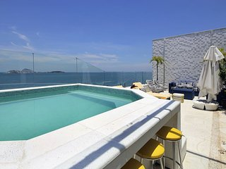 Rio061 - Beautiful penthouse with pool and sea view in ipanema