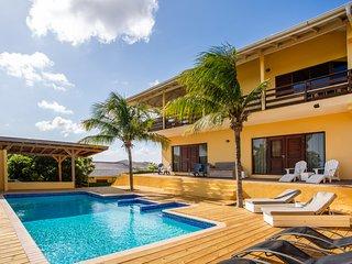 Vakantievilla met adembenemend uitzicht en zwembad