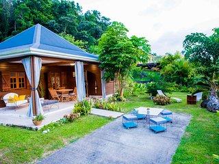 Villa cosy nichée dans les hauteurs d'Acomat-Vue Mer Caraïbes - Montagne
