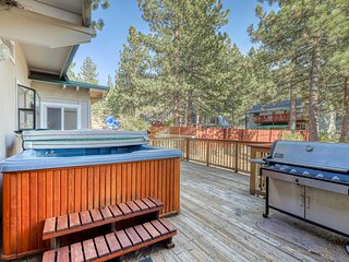 NEW LISTING! Classic mountain home w/ private hot tub close to skiing!