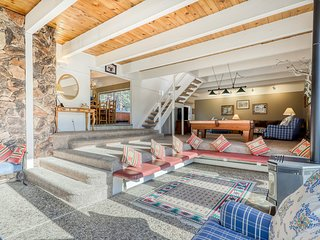 Classic mountain home w/ private hot tub close to skiing!