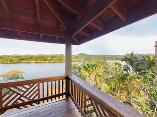 Studio with balcony, water views, and hammock - walk to town and beach
