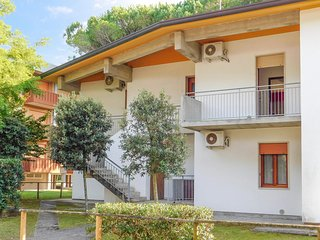 Amazing apartment in Bibione w/ 3 Bedrooms (IVK584)