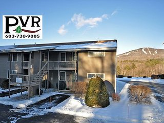 2BR Condo 1 Min to N. Conway Village! Cranmore Views - Discount Lift Tickets!