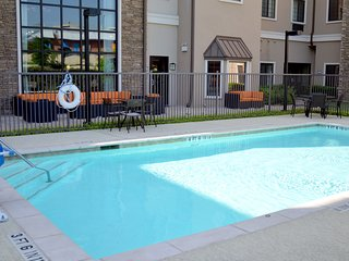 Equipped Suite Across from Seaworld! Outdoor Pool + Gym On-site