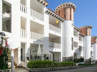 Nice apartment in La Marina del Pinet w/ Outdoor swimming pool, Outdoor swimming
