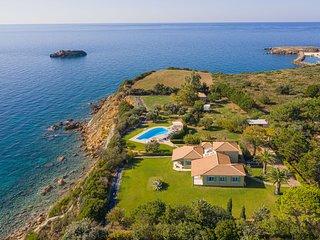 Villa Gaia: Colourful, Artistic, Seaside Villa - Sleeps 10 - Private Pool