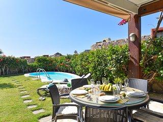Villa de lujo con jacuzzi-BG2