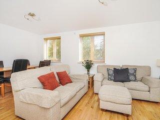 Righton two-bedroom serviced apartment in headington (oxihbr)