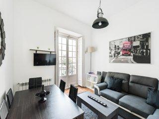 Hermoso piso de 5 habitaciones en Gran Via Madrid