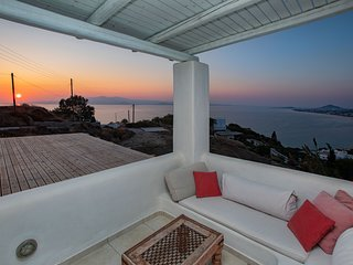 Villa Caterina has amazing view ,privacy and amazing sunset